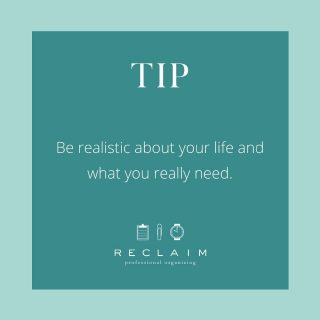 If you are trying to get organized but aren't sure what items to keep or donate, focus on being realistic about your life and what you really need 🤔   If you no longer work in a professional office, perhaps you can pare down your business attire extensively 👔  If your kids are older but you still have a large sippy cup collection, you can quickly make space by tossing them 👶🏻➡️👧🏼  We often don't take the time to evolve our stuff as our phases of life move on. Now is the time to start! ❤️