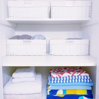 Here's a before and after we can all relate with. Linen closets - we ask a lot of them, and sometimes they just give up, as you can see in this before picture 🤣   But! With a few tricks they can be managed. 🤩  First, edit edit edit. If you are holding on to way more linens and towels than you will ever need, donate some or toss those in bad shape.   Once you have a reasonable amount of items for your space, create a system.  Here we used large baskets to contain similar items, and used the large bottom shelf for miscellaneous things like large pool towels. 🏊♂️