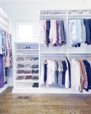 A beautiful closet to close out your weekend and enter the new week inspired! ❤️  Imagine how fun it is to get dressed every day when your closet looks like your own personal boutique? 🛍  We can make that happen for you. 🥰