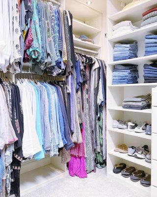 Fabulous wardrobe 👗, amazing closet 💯, and organizing on point 💁🏼♀️...don't mind if we do (stare, that is 😍) 